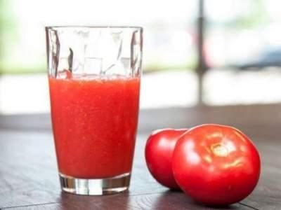 Врачи перечислили полезные свойства томатного сока