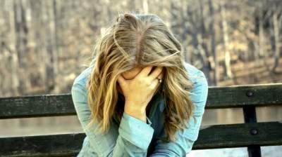 Медики рассказали, как избавиться от чувства грусти и хандры весной