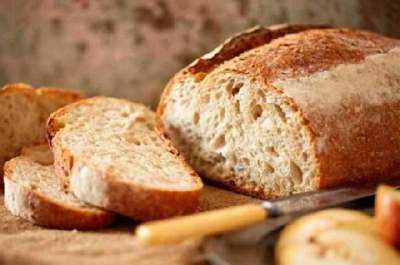 Врачи рассказали о вреде свежеиспеченного хлеба